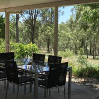 Hotel Pictures: Private Guest Suite - Laidley Heights, Coopers Hill