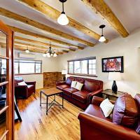 酒店图片: Renovated 2BR in Historic Eastside Home, 圣达菲