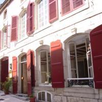 Hotel Pictures: Hôtel Restaurant Henri IV, Champlitte-et-le-Prélot