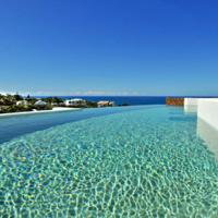 Hotellbilder: Relax and enjoy C-Vues from the rooftop pool, Sunrise Beach