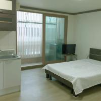 酒店图片: 원룸형/달동/삼산/주차가능/요리가능/깔끔한 방, 蔚山市