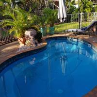Hotelbilleder: Your tropical stay on Harrison Circuit Palmerston, Palmerston