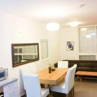 Fotos do Hotel: Luxury Apartment Heart of Bat-Yam Close To Beach, Bat Yam