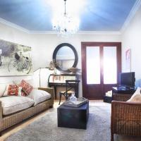 Hotel Pictures: Apartamentos Alcoba de Baco, Barbastro