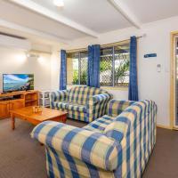 Zdjęcia hotelu: Pet Friendly Cottage in the Heart of Bribie - Wirraway St, Bongaree, Bongaree