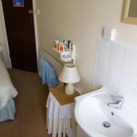 Small Double Room with Shared Bathroom and Sea View