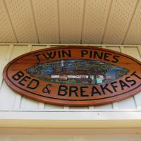 Hotel Pictures: Twin Pines Bed and Breakfast, Peterborough