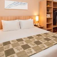 Deluxe Room - 1 queen bed