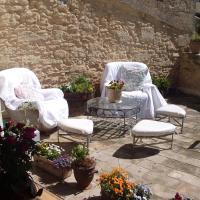 Hotel Pictures: Les Chambres du Chateau, Pézenas