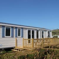 Three-Bedroom Mobile Home (6 Adults)