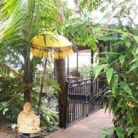 Hotel Pictures: Coral Sea Retreat Bed and Breakfast, Oak Beach
