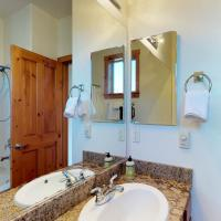 Hotel Pictures: Majestic Boulders, Truckee