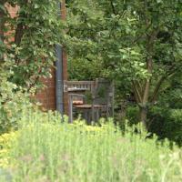 Hotel Pictures: Große Ferienwohnung auf einem Reiterhof, Ribnitz-Damgarten