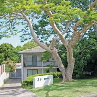 Zdjęcia hotelu: 'Thurlow' 29 Thurlow Avenue - holiday house with pool and aircon, Nelson Bay