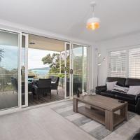 Fotos del hotel: 9 'Topdeck', 53 Ronald Avenue- stunning views from large relaxing balcony, Shoal Bay