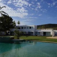 Hotel Pictures: San Jose Villa Sleeps 10 Pool Air Con WiFi, San Jose
