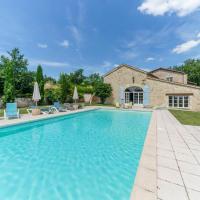 Hotel Pictures: Beraut Villa Sleeps 16 Pool WiFi, Béraut