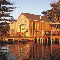 Hotel Pictures: Boathouse & Birks River Retreats, Goolwa