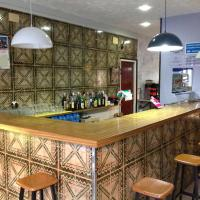 Hotel Pictures: Hostel Alhambra, Girona