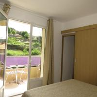 Comfort Triple Room with Mountain View