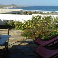 Hotel Pictures: Famara Apartment Sleeps 4 WiFi, Famara
