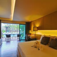 Deluxe Double Room with Pool Access - Sunset Wing