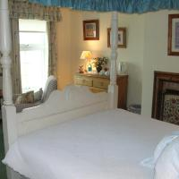 Double Room with Four Poster Bed and Sea View