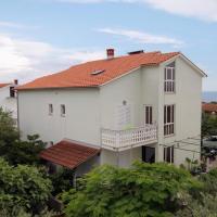 Fotos del hotel: Krk Apartment Sleeps 2 Air Con WiFi, Krk