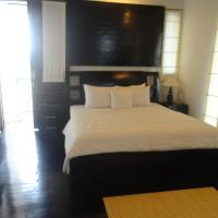 Deluxe Double Room in Shared Villa