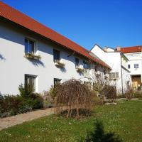 Hotel Pictures: Hotel Angerer, Grossmutschen