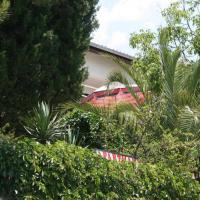 Photos de l'hôtel: Stari Grad Apartment Sleeps 6 Air Con, Starigrad-Paklenica