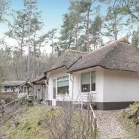 Hotel Pictures: Three-Bedroom Holiday Home in Dwingeloo, Dwingeloo