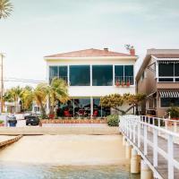 Fotos de l'hotel: 1400 South Bayfront 5 Bedroom Home, Newport Beach