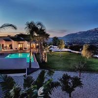 Фотографии отеля: Benitachell Villa Sleeps 6 Pool Air Con WiFi, Бенитачель