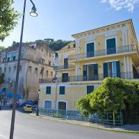 Zdjęcia hotelu: Vietri sul Mare Villa Sleeps 4 Air Con WiFi, Vietri