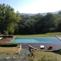 Hotellbilder: Configni Villa Sleeps 10 Pool WiFi, Configni