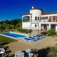 Hotel Pictures: Sant Antoni de Calonge Villa Sleeps 12 Pool WiFi, Sant Antoni de Calonge