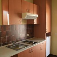 One-Bedroom Bungalow with kitchen