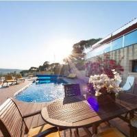Hotelbilder: julivia casa con piscina y grandes vistas, Begur