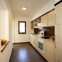 Four-Bedroom Apartment (11 Adults)