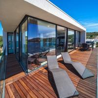 Superior Three-Bedroom Apartment - Penthouse