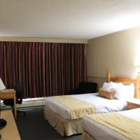Queen Room with Two Queen Beds - Pet Friendly/Non-Smoking