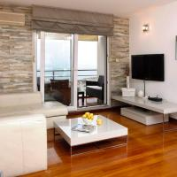 Superior Three-Bedroom Apartment with Sea View