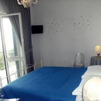 Double Room with Terrace and Sea View Private Bathroom
