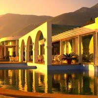 Hotel Pictures: Drymades Inn Resort, Dhërmi