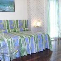Triple Room with Sea View and Private Bathroom