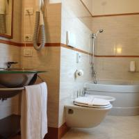 Superior Double or Twin Room with Balcony and Partial Lake View
