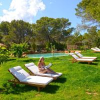 Hotel Pictures: Hostal Cala Boix, Es Cana