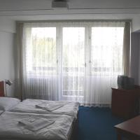 Hotel Pictures: CMC Residence & Conference Inn, Čelákovice