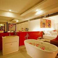 B-Lay Suite with Spa Bath